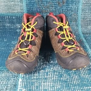 Keen Boots Size 1 with Elastic Ties